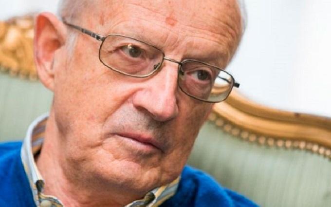 У квартиру російського політолога в Москві вломилася ФСБ