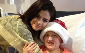 Тяжелобольная Селена Гомес поздравила деток в больнице с Рождеством: трогательные фото