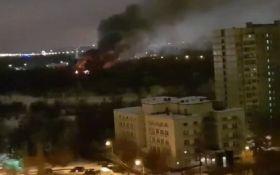 """В Росії спалахнув байк-центр пропутінських """"Нічних вовків"""" - відео"""