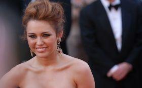 Известный голливудский актер впервые прокомментировал развод с эпатажной певицей Майли Сайрус