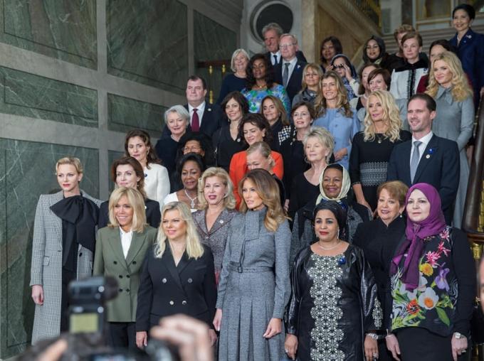 Непревзойденная: Марина Порошенко покорила Париж стильным образом (1)