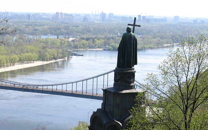 Учасники хресного ходу прибувають в центр Києва: стало відомо про молебень