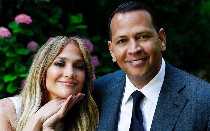 Дженнифер Лопес неожиданно разорвала помолвку с Алексом Родригесом