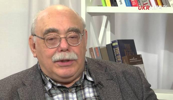 Смена правительства приостановит реформы минимум на год - Пасхавер