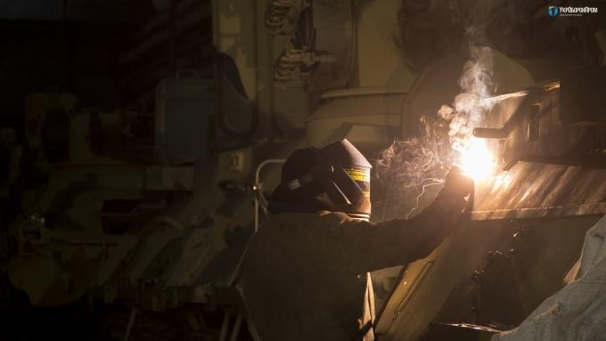 В Украине создали новый бронетранспортер из натовской стали: первые фото (1)