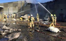 В Австралии самолет врезался в торговый центр, есть погибшие: появились фото и видео