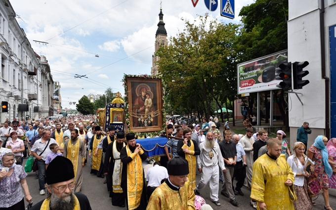 Хресна хода на Київ: в УПЦ КП дізналися про неув'язку з іконами