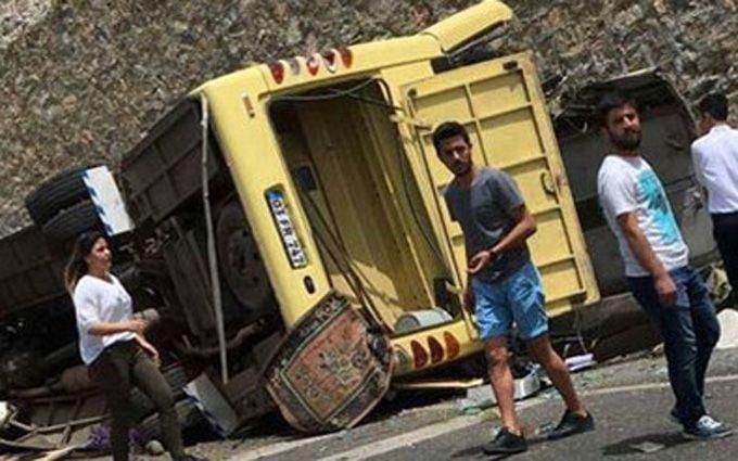 УТуреччині перекинувся автобус зтуристами: 20 людей загинуло