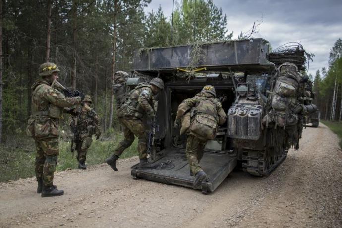 Солдати НАТО біля кордонів Росії готуються воювати з Путіним: The Washington Post показала фото (1)