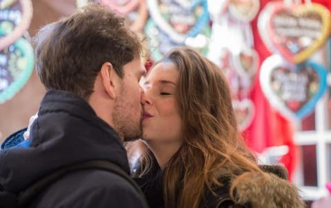 Дослідження показало, про які поцілунки шкодують жінки (1)