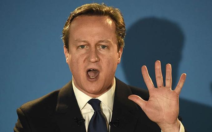 Прем'єр Британії заспівав перед відставкою: з'явилося кумедне відео