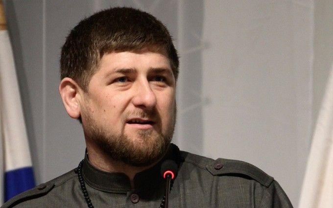 Мережу підірвав Кадиров, який з'явився на прийомі в шоломі і латах: опубліковано відео