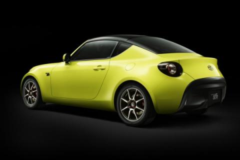 Toyota показала прототип маленького спорткару (8 фото) (3)