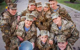 В Украине приняли важный закон о равных правах женщин и мужчин в армии