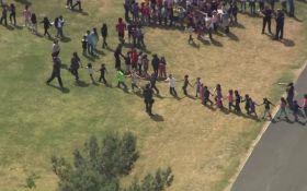 В школе Калифорнии произошла стрельба, есть погибшие: появилось видео