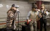 У США популярний поп-гурт зіграв в метро для розваги