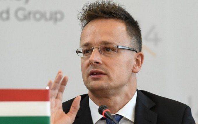 Премьер Венгрии выдвинул очередные скандальные обвинения Порошенко