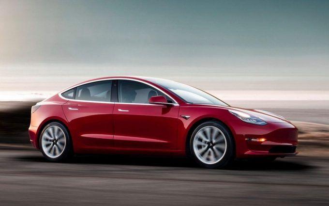 Електромобіль Tesla встановив новий рекорд по пробігу без підзарядки: опубліковано відео