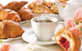 Начните утро правильно: ТОП-10 самых вредных завтраков