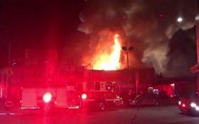 Страшна пожежа спалахнула в нічному клубі в США: з'явилися драматичні відео і фото