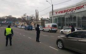 В Одесі банда злочинців стріляла та брала заручників: з'явилися відео з місця