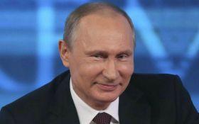 Путин решил побряцать оружием: в сети пошутили над видео