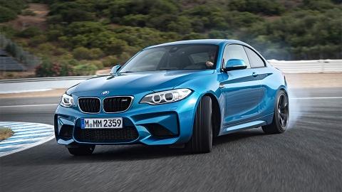 BMW представила «заряджену» версії купе 2-Series - M 2 (10 фото) (3)