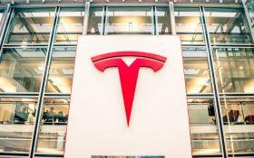 Вопреки запретам и карантину: Маск возобновит работу завода Tesla