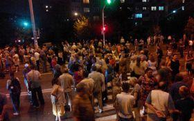 У Києві перекрили вулицю противники скандального будівництва: з'явилися фото і відео