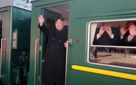 Ким Чен Ын на бронепоезде поехал на встречу с Трампом: новые подробности и фото