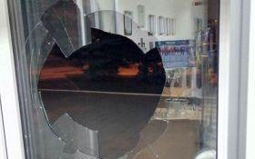 В Краматорске неизвестные атаковали офис телеканала: опубликованы фото