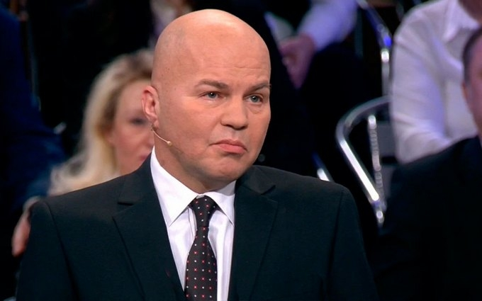 Українського політолога побили на ток-шоу в Росії: опубліковано відео