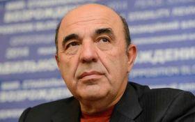 Эксперт сравнил заклеивание рекламы Рабиновича с покраской травы в армии перед приездом начальства