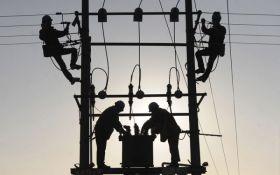 Негода залишила без електрики більше 150 населених пунктів в Україні
