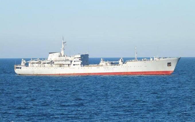 Стало известно, зачем украинские военные корабли подошли к Крыму