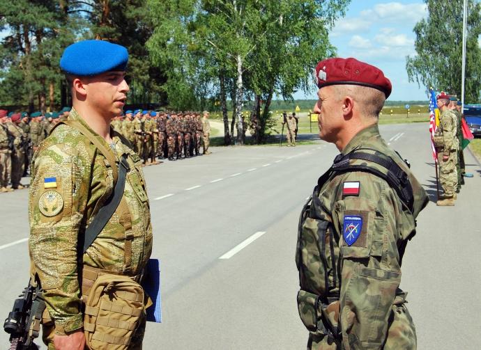 Українські бійці почали масштабні навчання разом із НАТО: з'явилися яскраві фото (1)