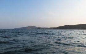 Від Лазурного до Криму: українець три дні провів у відкритому морі на надувному матраці