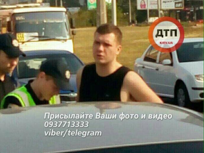 У Києві п'яний водій розбив півдесятка авто: опубліковані фото (1)