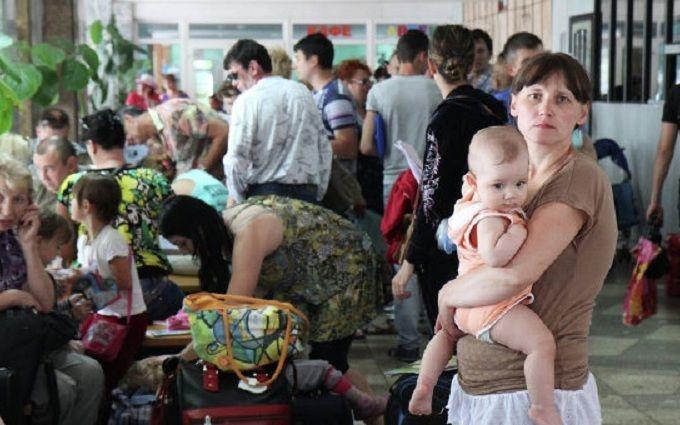 Переселенцям з Донбасу і з Криму дали корисну пораду: опубліковано відео