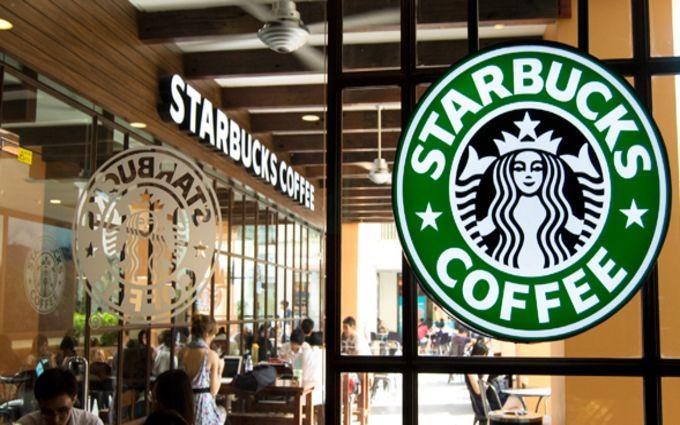 Расовий скандал: у мережі з'явилось відео затримання двох відвідувачів кав'ярні