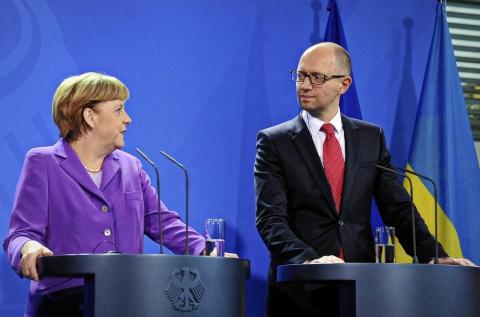 Меркель напередодні візиту Яценюка: Німеччина буде інвестувати в Україну після боротьби з корупцією (2)