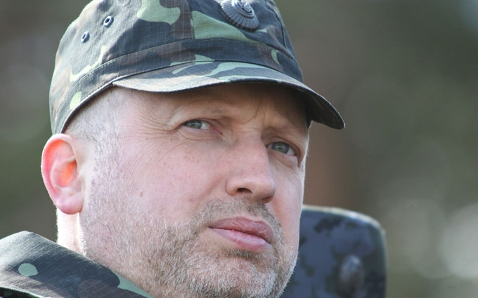 Турчинов оголосив про відновлення виробництва знаменитої військової системи: з'явилося відео