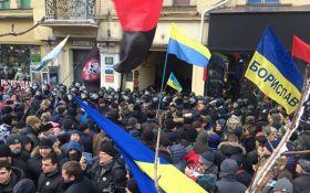 Возле суда между соратниками Саакашвили и полицией произошли столкновения: появилось видео