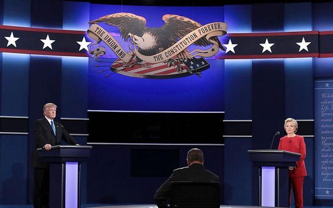 На дебатах Клінтон і Трамп обмінялись особистими випадами: опубліковано відео