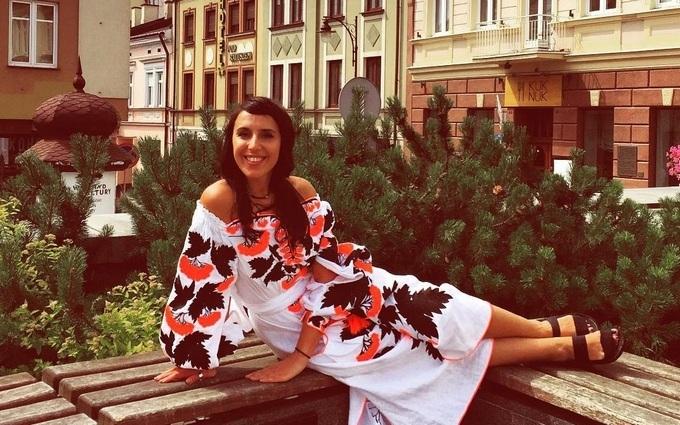 У мережі обговорюють конфуз двох українських співачок: опубліковані фото