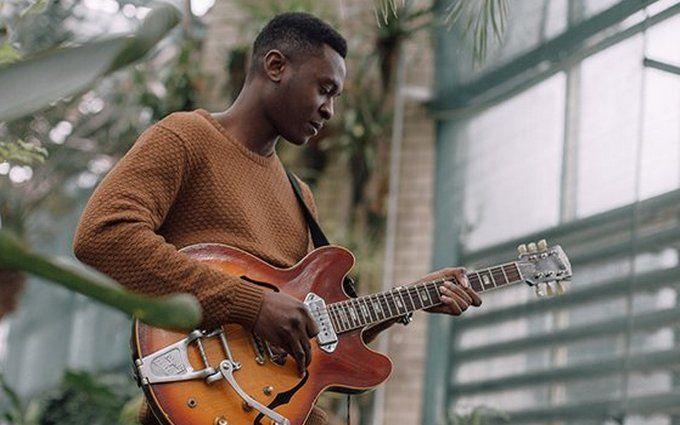 Подопечный Вакарчука из Нигерии выпустил необычную песню: опубликовано аудио