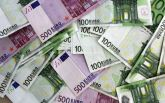 В Германии на автобане перекрыли движение из-за бизнесмена, который рассыпал на дороге 9 тысяч евро