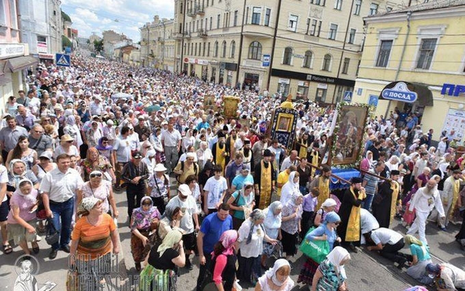 Бойовики на Донбасі назвали хресний хід своєю великою перемогою