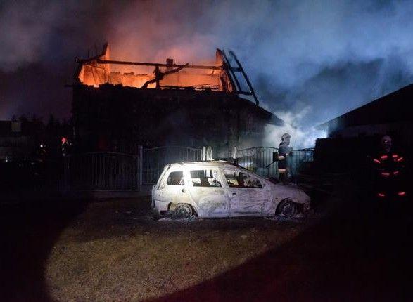 ВПольше взорвался газопровод, жилые дома сгорели дотла: кадрыЧП