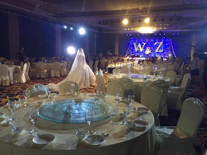 Интернет поразила свадьба, на которую никто не пришел: трогательные фото (1)